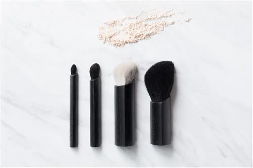 """Compact makeup brush """"MISUMI"""""""