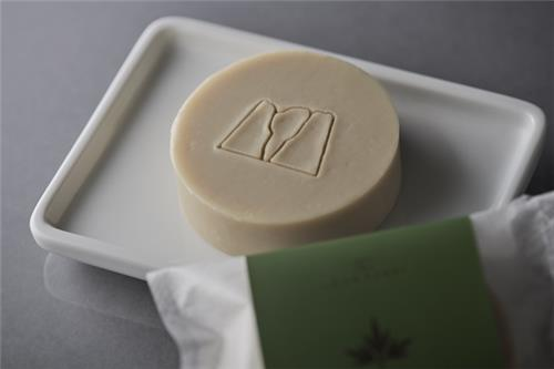 Angelica leaf soap 60g (cold process soap, frame kneading)